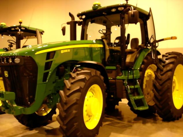 John Deere 8295 R Tractor