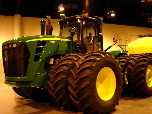 John Deere 9530 Row Crop Tractor