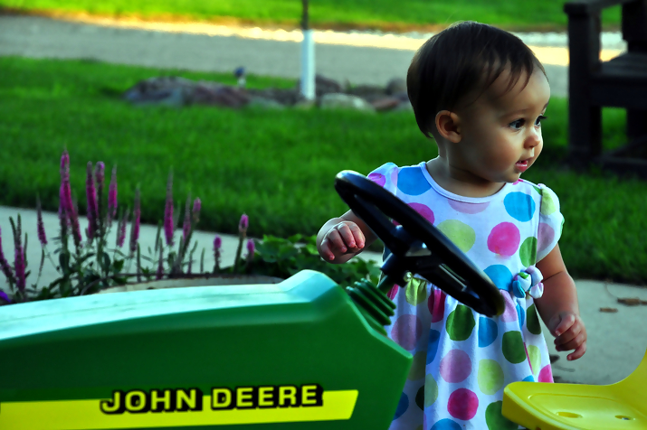 john deere kid13 John Deere Tractors and the Children Who Love Them (25 pics)