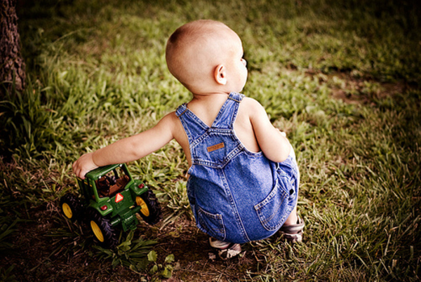 john deere kid22 John Deere Tractors and the Children Who Love Them (25 pics)