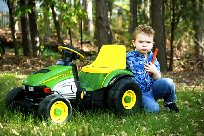 john deere kid4 John Deere Tractors and the Children Who Love Them (25 pics)