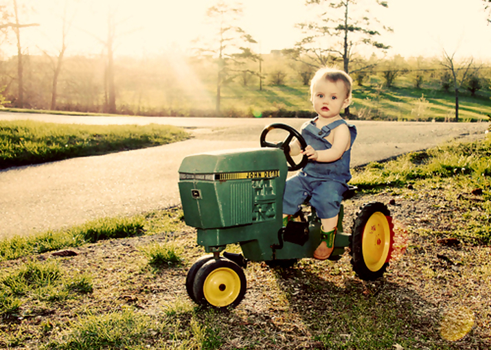 john deere kid6 John Deere Tractors and the Children Who Love Them (25 pics)
