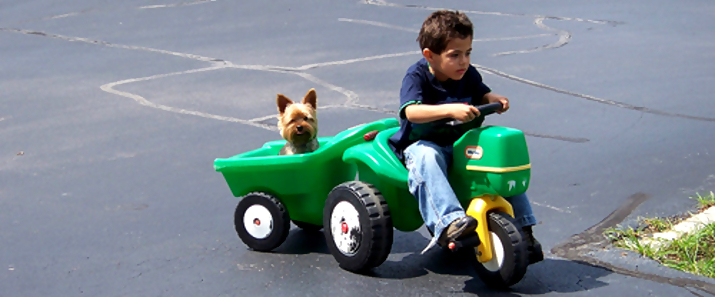 john deere kid9 John Deere Tractors and the Children Who Love Them (25 pics)