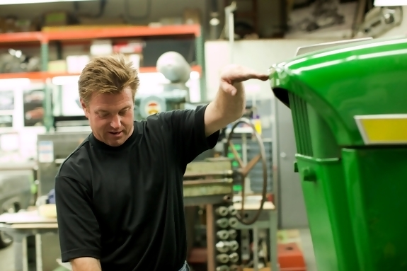 Chip_Foose_and_John_Deere_Tractor
