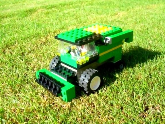 Lego John Deere Combine
