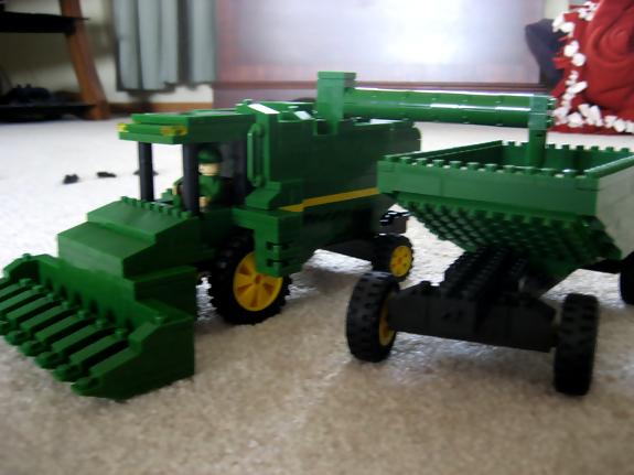 john-deere-lego-combine