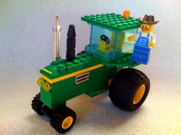 john_deere_lego_tractor