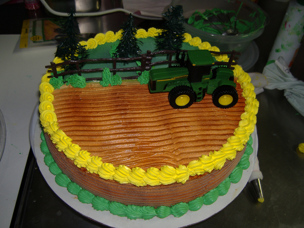 Tractor Cake Tutorial