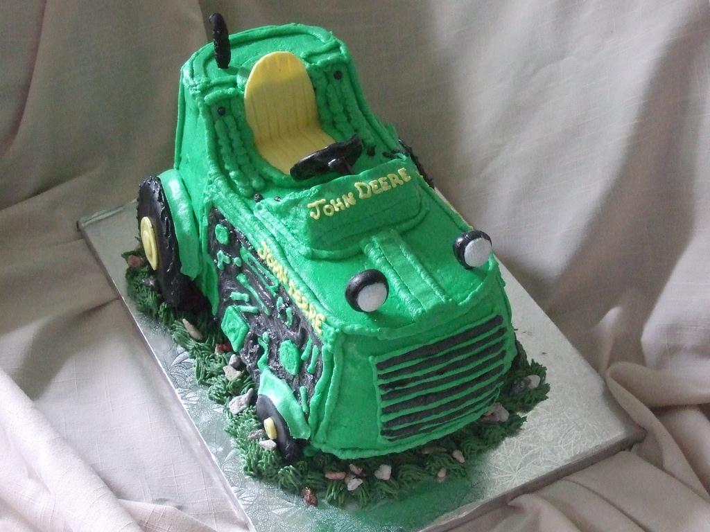 3D John Deere Tractor Cake