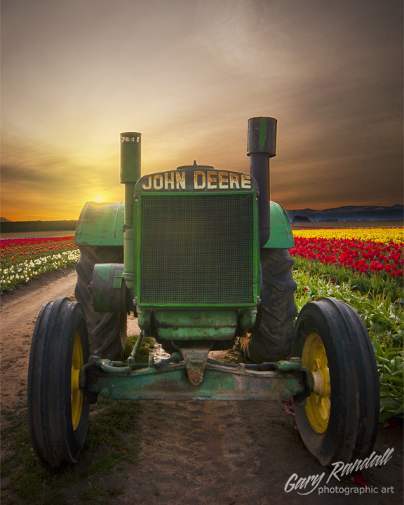 4515609687 29538bb93c o1 7 Breathtaking John Deere Sunrises