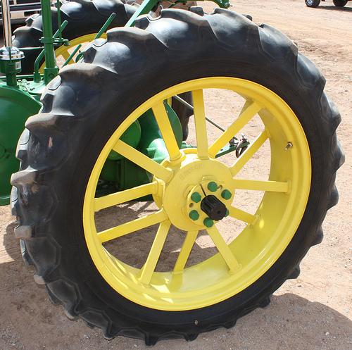John Deere Gators >> John Deere Tractor Tires: 7 Stunning Photos