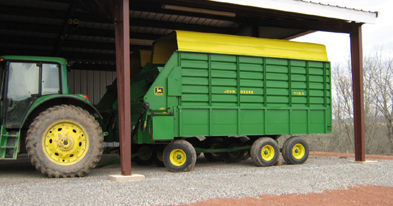 John Deere Wagons Flowered : New collector s item jd forage wagons