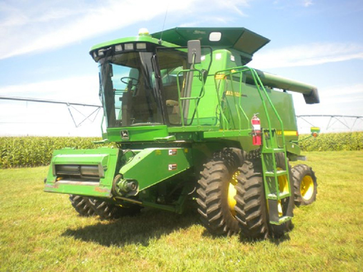 1997 Jd 8100 Tractor Sells For Record 91 000 On Nebraska