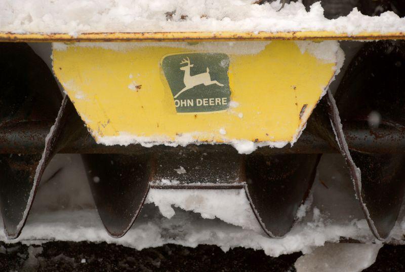 John Deere Gators >> John Deere in the Snow