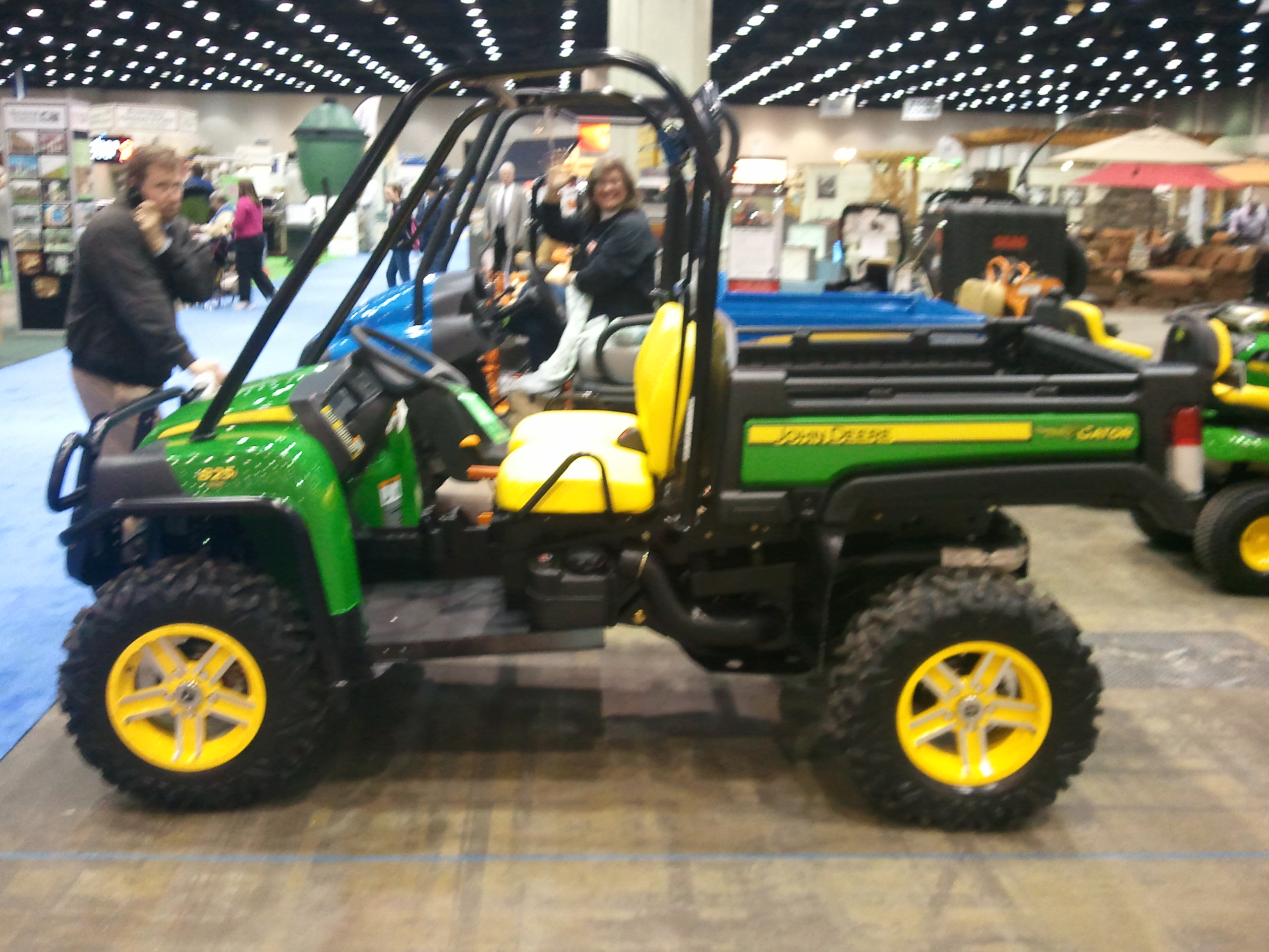 John Deere Gator Xuv 825i At Louisville Home Garden Show HD Wallpapers Download free images and photos [musssic.tk]