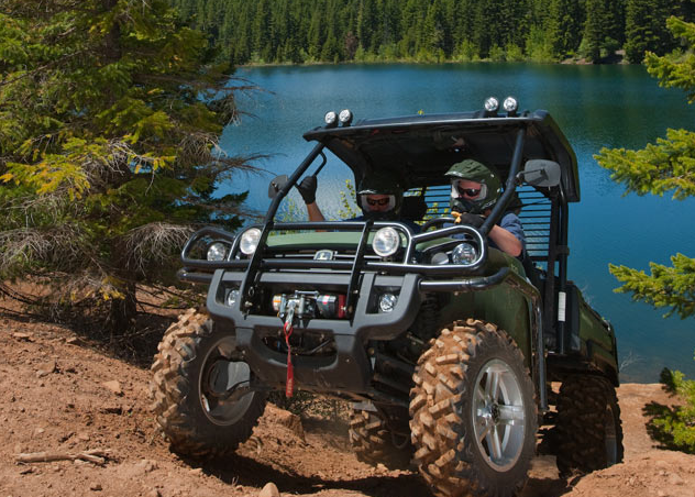 John Deere Gator XUV 825i is a force