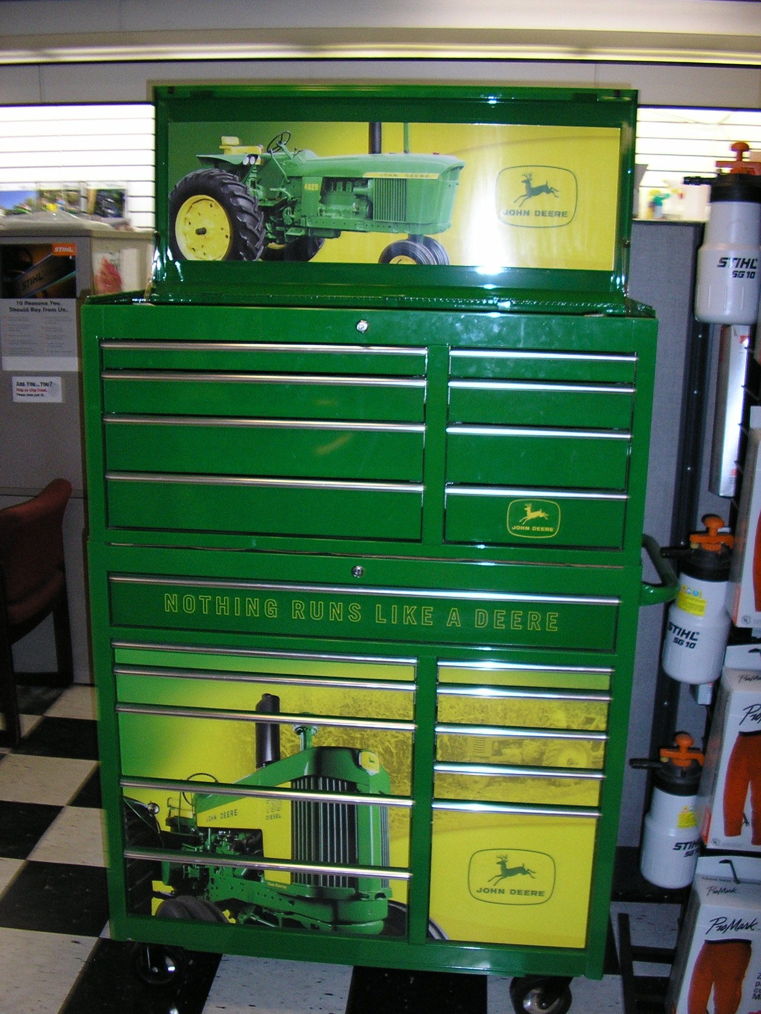 john deere toolboxes for the shop for kids. Black Bedroom Furniture Sets. Home Design Ideas