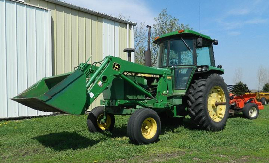 JD 4040 tractor