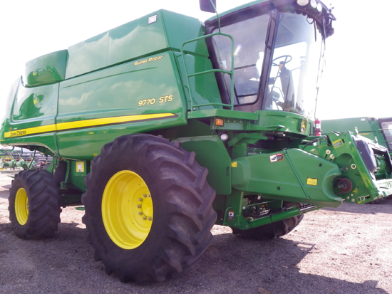John Deere Combines 2012 The John Deere 9770 Combine is