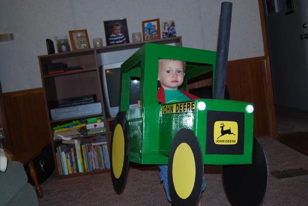Credit  sc 1 st  MachineFinder Blog & Friday Fun: John Deere Tractor Halloween Costumes