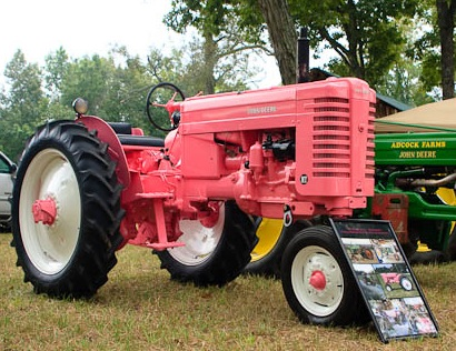 John Deere Gators >> Friday Fun: Pink John Deere Tractor Photos!