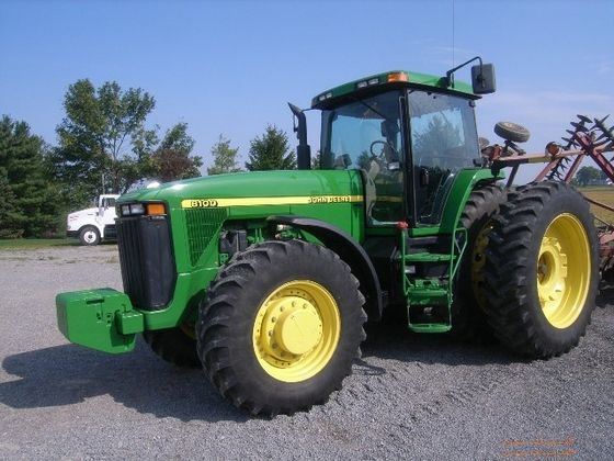John Deere 8100 tractor at Auction