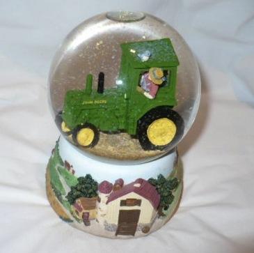 Friday Fun: John Deere Snow Globes!