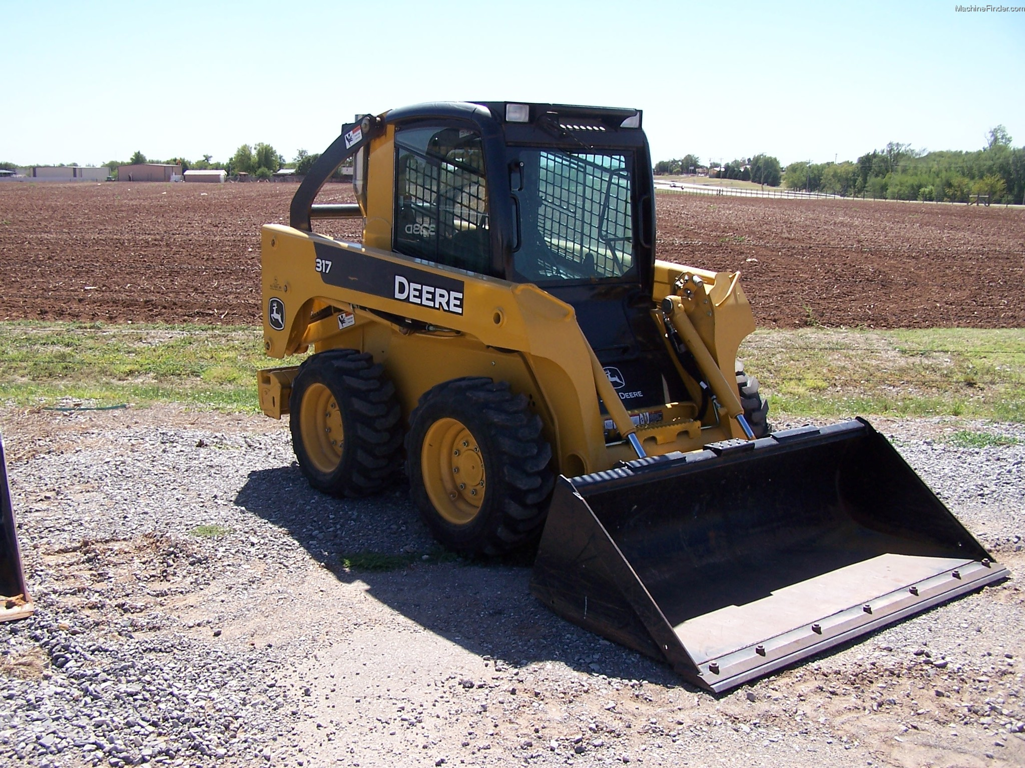 John Deere Skid Steer >> Job Site Favorites The John Deere 317 Skid Steer