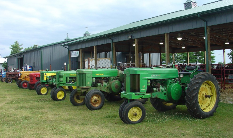 Antique Tractor Shows : Tennessee tractor show appealing to all ages