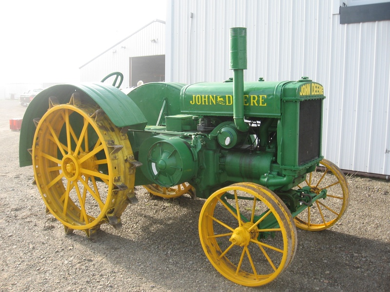 Old John Deere Tractor Collectables Brought Back To Life