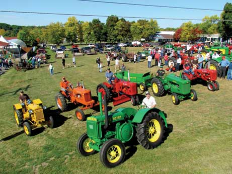 John Deere wins big at Michigan antique tractor show