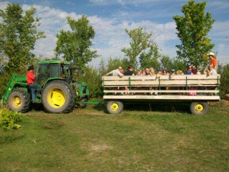 Manitoba Fall 2012: 5 Hayrides With a John Deere Twist