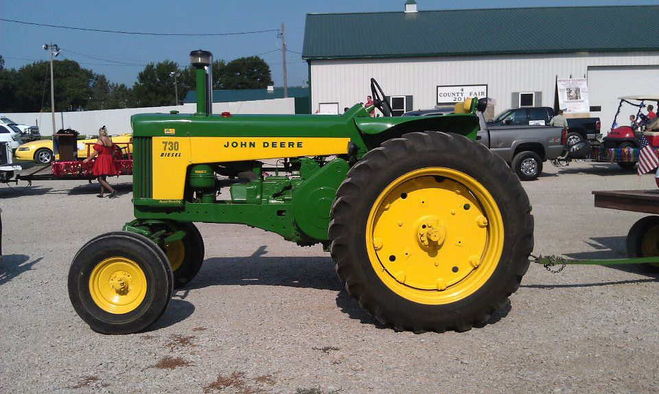 Tractors For Sale In Iowa: John Deere Antique Dealers Follows Passion