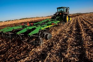 The John Deere 2720 Disk Ripper can simplify tillage tasks