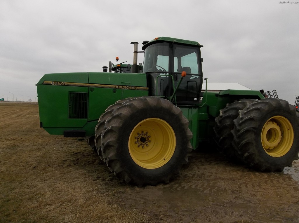 8870 2 1024x764 Image Gallery: A Review of the John Deere 8870
