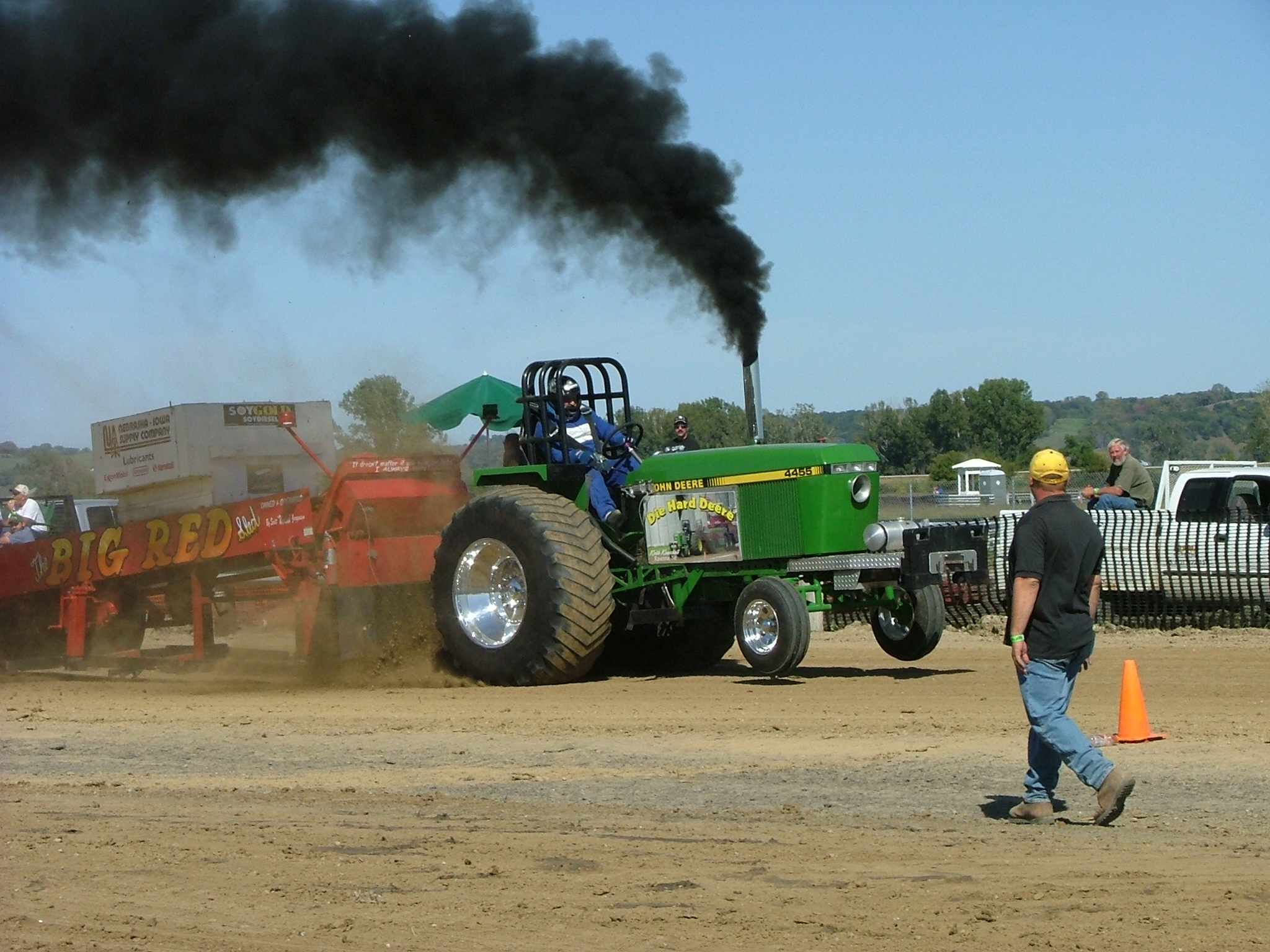 Tractor Pull 1 Picture Gallery: A John Deere Tractor Pull Extravaganza