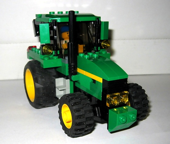 lego pin1 The Best John Deere Lego Structures