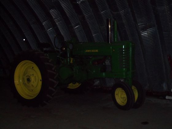1952 JD G tractor sold for $12,500 on 1/11/13 farm estate auction in northwest Indiana
