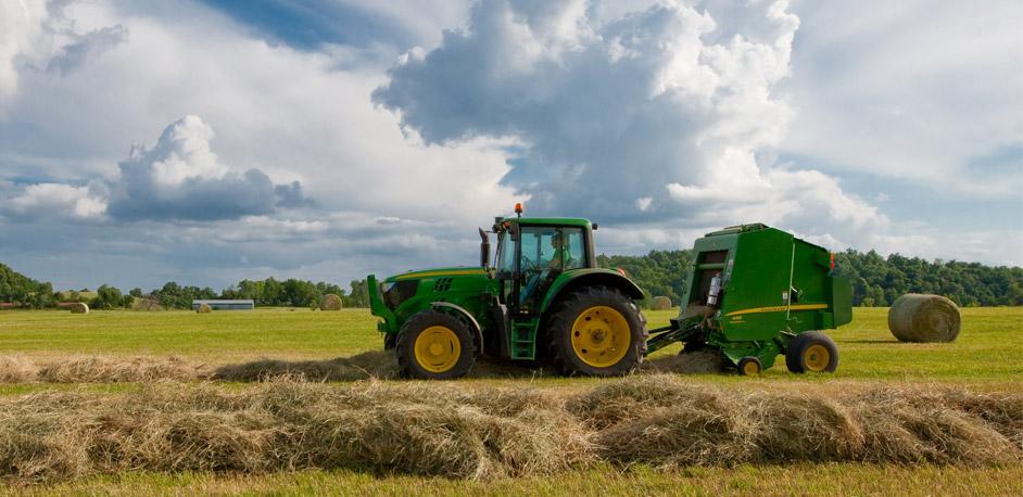Most Popular John Deere Tractor : John deere agriculture continues to grow