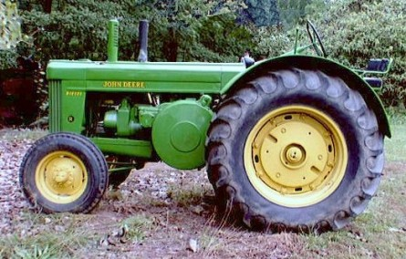 Model R e1360709299409 10 Antique John Deere Tractors: Image Gallery