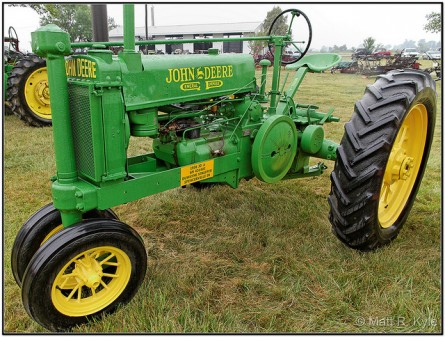 john deere model A GP e1360708938653 10 Antique John Deere Tractors: Image Gallery