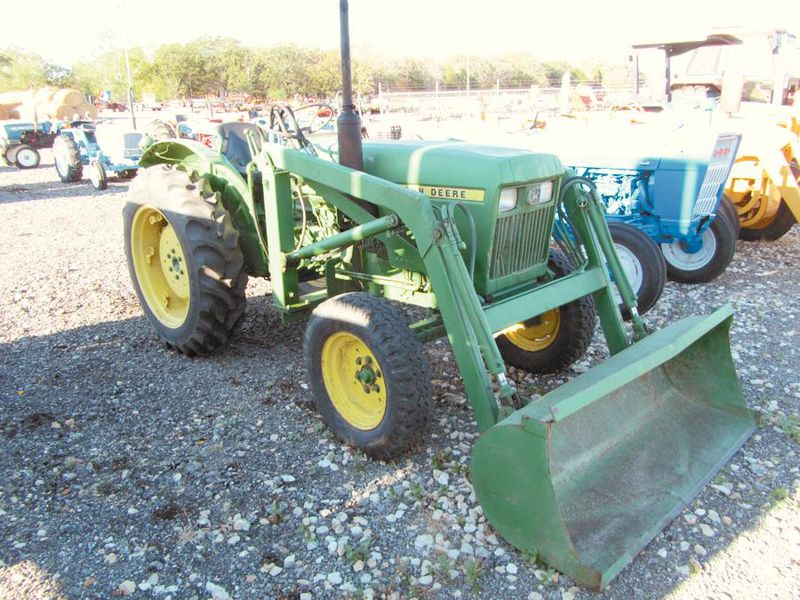 John Deere 950 tractor with a Deere loader