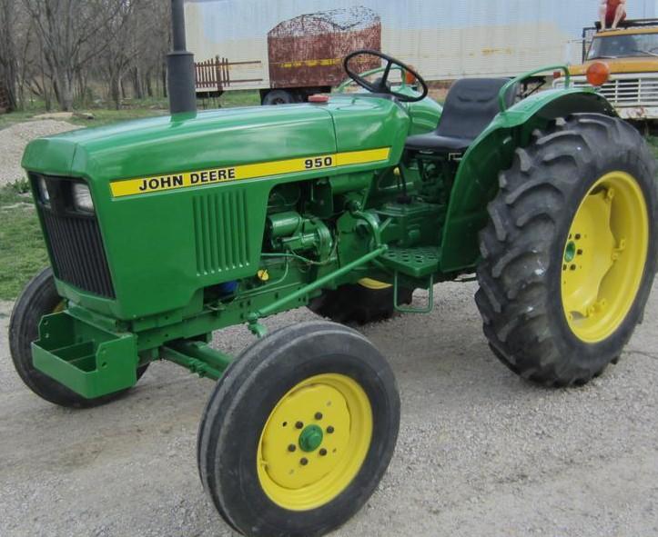 JD 950 tractor loader