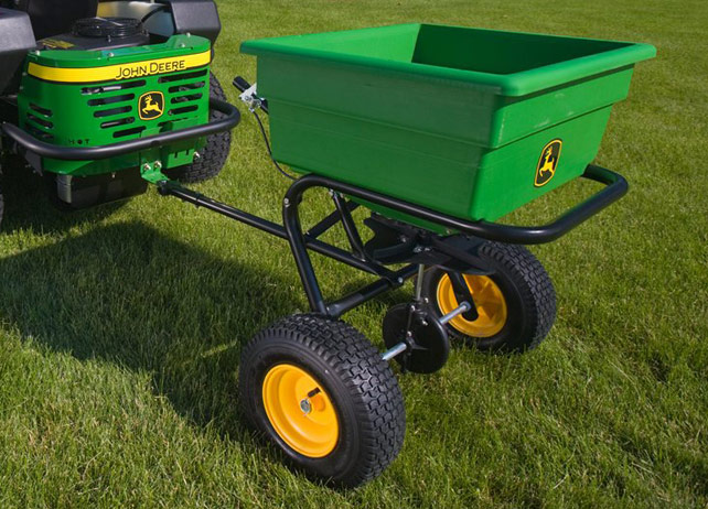 Spreader attachment for John Deere X500 lawn tractor series