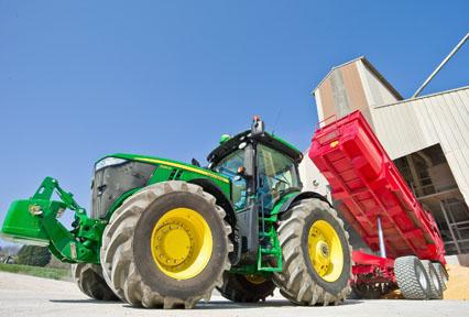7200R John Deere tractor