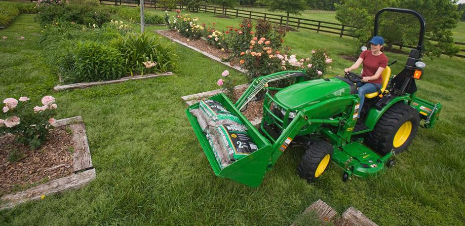 John Deere 3E series compact tractor