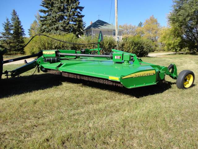 5 John Deere Machines Sell for Record Prices