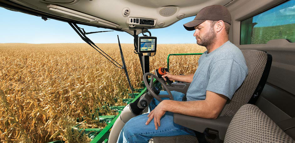 Inside Of A Combine : John deere s series combines see feel and hear the