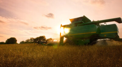 JD combine growing winter wheatwing