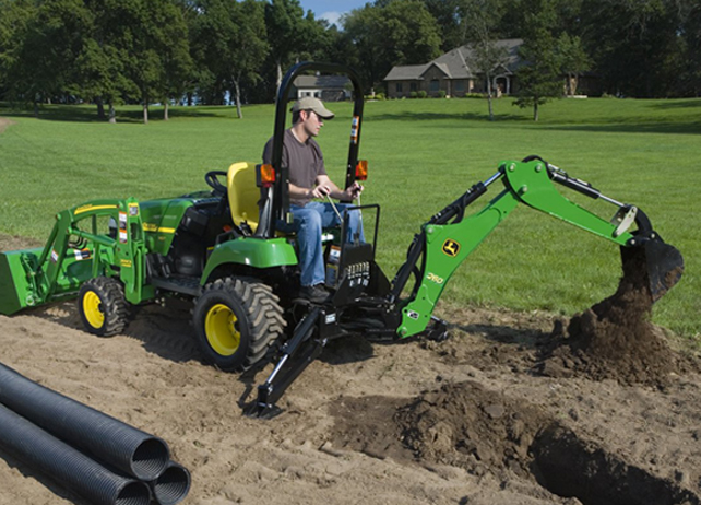 John Deere 1026r Attachments : Features that make the john deere e a unique utility